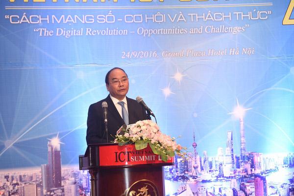 Công ty SmartBooks tham gia Vietnam ICT Summit 2018
